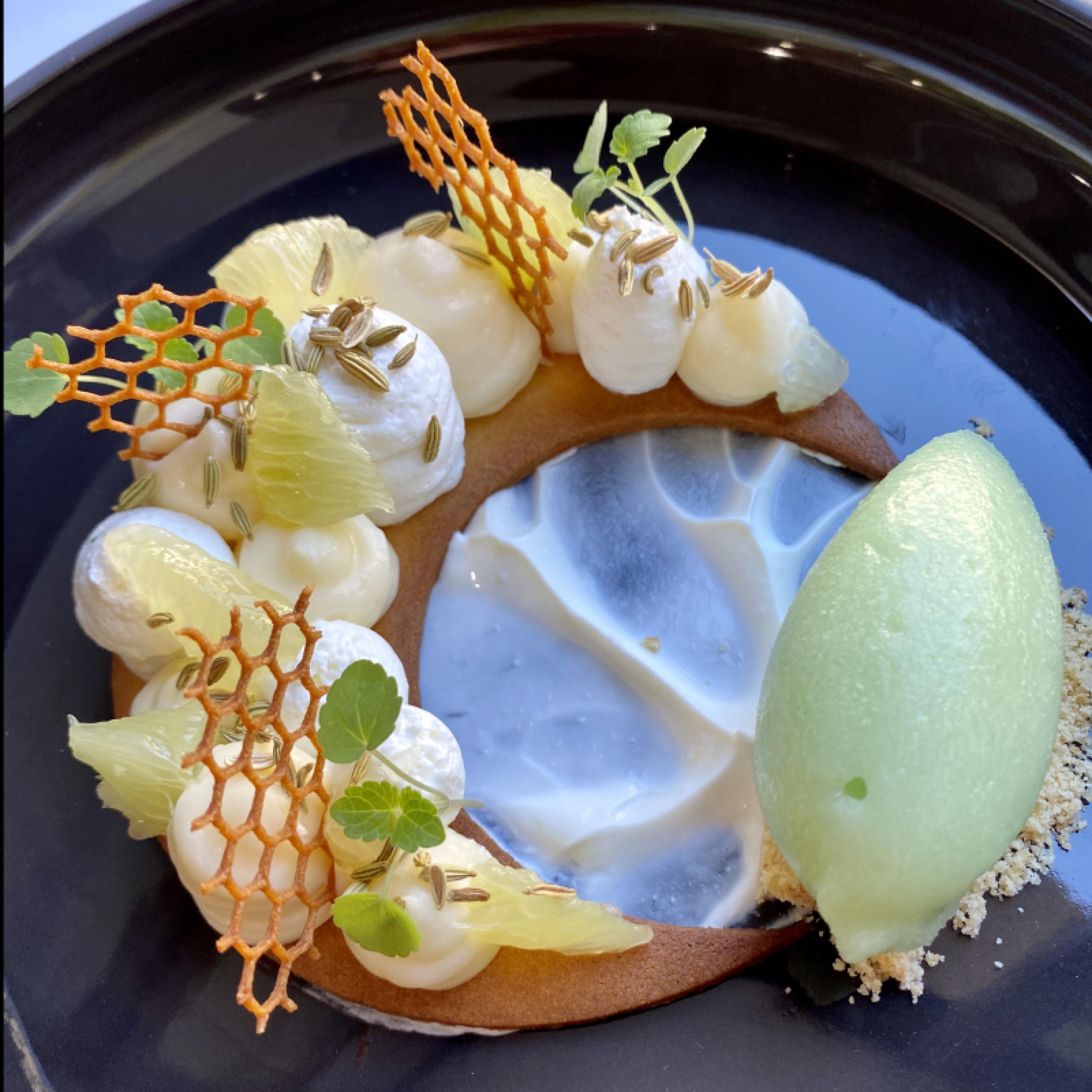 DESSERT - Crème de citron, mousse yaourt, sorbet fenouil.JPEG